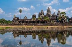 Μέτωπο Angkor Wat με την αντανάκλαση στο νερό Στοκ Εικόνα
