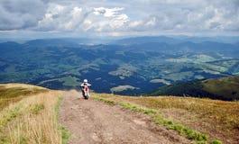 Ποδηλάτης βουνών Στοκ Φωτογραφία