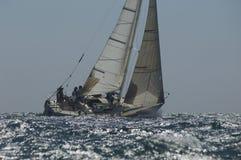 Μέλη του πληρώματος Sailboat στοκ εικόνες