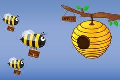 Μέλισσα με τις μύγες χαρτοφυλάκων για να εργαστεί ελεύθερη απεικόνιση δικαιώματος