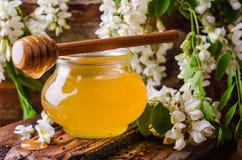 Μέλι ακακιών gar στο ξύλινο υπόβαθρο 9 πολύχρωμες εικόνες διάθεσης που τίθενται τις τουλίπες άνοιξη θαυμάσιες Εκλεκτική εστίαση ε Στοκ φωτογραφίες με δικαίωμα ελεύθερης χρήσης