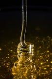 Μέλι που κουλουριάζει την επίδραση Στοκ εικόνα με δικαίωμα ελεύθερης χρήσης