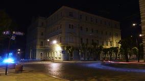 Μήκος σε πόδηα Timelapse ένας πολυάσχολος δρόμος νύχτας στη ώρα κυκλοφοριακής αιχμής Βρόχος απόθεμα βίντεο