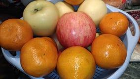 Μήλα και tangerines/συγκομιδή φθινοπώρου/ Στοκ Εικόνες