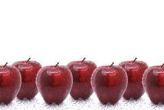 μήλα που ενυδατώνονται Στοκ Φωτογραφίες
