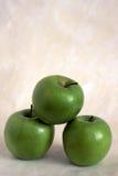 μήλα πράσινα τρία Στοκ εικόνες με δικαίωμα ελεύθερης χρήσης