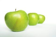 μήλα πράσινα τρία Στοκ φωτογραφίες με δικαίωμα ελεύθερης χρήσης