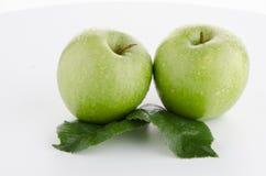 μήλα φρέσκα πράσινα δύο Στοκ Φωτογραφία