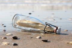 Μήνυμα σε ένα μπουκάλι 03 Στοκ εικόνες με δικαίωμα ελεύθερης χρήσης