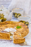 Μήλα και πίτα τυριών εξοχικών σπιτιών Στοκ Φωτογραφία