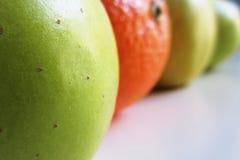 Μήλα και πορτοκάλι στοκ φωτογραφία