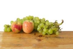 Μήλα και σταφύλια Στοκ Εικόνες