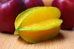 Μήλα και carambola Στοκ Φωτογραφία