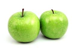 μήλα πράσινα ώριμα δύο Στοκ φωτογραφία με δικαίωμα ελεύθερης χρήσης