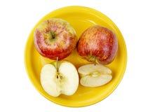 Μήλα σε μια πιατέλα Στοκ εικόνα με δικαίωμα ελεύθερης χρήσης