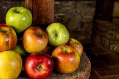 Μήλα φρέσκα από το αγρόκτημα Στοκ εικόνα με δικαίωμα ελεύθερης χρήσης