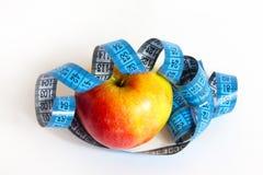 Μήλο και ταινία μέτρου Στοκ φωτογραφίες με δικαίωμα ελεύθερης χρήσης