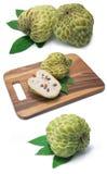 Μήλο κρέμας στο άσπρο υπόβαθρο Στοκ Εικόνα