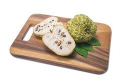 Μήλο κρέμας στο άσπρο υπόβαθρο Στοκ Εικόνες