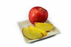 μήλο στο πιάτο Στοκ φωτογραφία με δικαίωμα ελεύθερης χρήσης