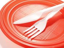 μίας χρήσης κόκκινο πιάτων Στοκ εικόνα με δικαίωμα ελεύθερης χρήσης