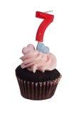 μίνι αριθμός επτά κεριών cupcake Στοκ φωτογραφίες με δικαίωμα ελεύθερης χρήσης