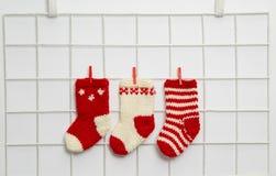Μίνι γυναικείες κάλτσες Χριστουγέννων Στοκ Εικόνες