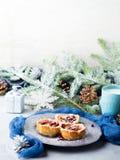 Μίνι επιδόρπια μήλων Χριστουγέννων με τους σπόρους ροδιών Στοκ εικόνα με δικαίωμα ελεύθερης χρήσης