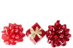 μίνι κόκκινο δύο δώρων κιβω&ta Στοκ φωτογραφίες με δικαίωμα ελεύθερης χρήσης