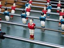 Μίνι πίνακας ποδοσφαιρικών παιχνιδιών κατά τη στενή επάνω άποψη στοκ φωτογραφία
