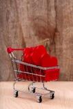 Μίνι σύνολο καλαθιών αγορών των κόκκινων καρδιών Στοκ Εικόνες