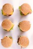 Μίνι burgers βόειου κρέατος στοκ εικόνα με δικαίωμα ελεύθερης χρήσης