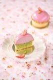 Μίνι Tarts φυστικιών φραουλών στοκ εικόνες