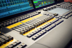 μίξη κονσολών υγιές ύφος μουσικής s αναμικτών εξοπλισμού του DJ Στοκ εικόνες με δικαίωμα ελεύθερης χρήσης
