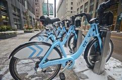 Μίσθωμα ποδηλάτων στο Σικάγο στοκ εικόνες