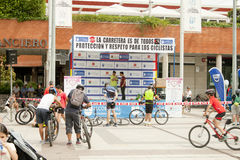 28 ΜΑΐΟΥ 2017, ALCOBENDAS, ΙΣΠΑΝΙΑ: παραδοσιακή παρέλαση ποδηλάτων στοκ εικόνα