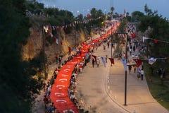 19 Μαΐου 2018  Antalya, Τουρκία - άνθρωποι που γιορτάζουν τη νεολαία και την αθλητική ημέρα παρέλαση Στοκ Εικόνες