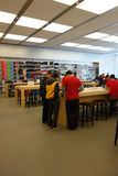 Μαγαζί λιανικής πώλησης της Apple στο chengdu Στοκ Εικόνες