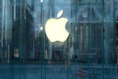 Μαγαζί λιανικής πώλησης της Apple στο lujiazui της Σαγκάη Στοκ φωτογραφία με δικαίωμα ελεύθερης χρήσης