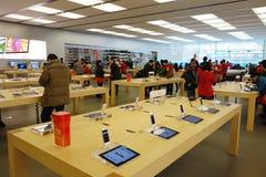 Μαγαζί λιανικής πώλησης της Apple στο εσωτερικό Chengdu Στοκ φωτογραφία με δικαίωμα ελεύθερης χρήσης