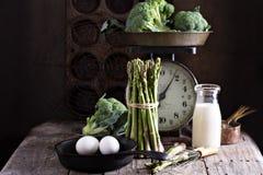Μαγείρεμα με το aparagus και τα αυγά Στοκ Εικόνα