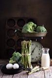 Μαγείρεμα με το aparagus και τα αυγά Στοκ φωτογραφία με δικαίωμα ελεύθερης χρήσης