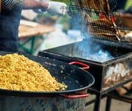 Μαγείρεμα στην πυρκαγιά στο φεστιβάλ Στοκ εικόνα με δικαίωμα ελεύθερης χρήσης