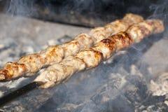 Μαγείρεμα του κρέατος στη σχάρα Στοκ Εικόνα