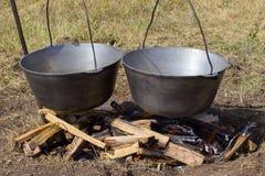 Μαγείρεμα plov στο καζάνι Μόνο το κρέας στο καζάνι Κουζίνα τομέων κουζίνα ανατολική Στοκ φωτογραφίες με δικαίωμα ελεύθερης χρήσης