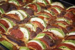 Μαγείρεμα Ratatouille των λαχανικών Η μεσογειακή κουζίνα Στοκ εικόνες με δικαίωμα ελεύθερης χρήσης