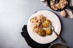 Μαγειρευμένα chanterelle μανιτάρια που εξυπηρετούνται Στοκ Φωτογραφίες