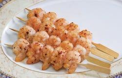 Μαγειρευμένες γαρίδες σε ένα πιάτο Στοκ Φωτογραφία
