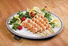 Μαγειρευμένες γαρίδες σε ένα πιάτο Στοκ Εικόνες