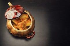 Μαγειρευμένες πατάτες με το κρέας και τις ντομάτες Στοκ Εικόνες